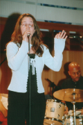 "Sandra ""Sara Devi"" Trebing - Sängerin, Vocalcoach"